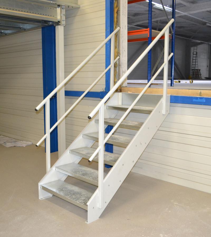 escalier industriel sur mesure mezzatech. Black Bedroom Furniture Sets. Home Design Ideas